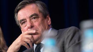 """François Fillon peut-il encore convaincre, entreAlain Juppé et Nicolas Sarkozy,favoris de la primaire à droite, et le """"renouveau"""" promis par Bruno Le Maire? (CITIZENSIDE/SERGE TENANI / CITIZENSIDE)"""