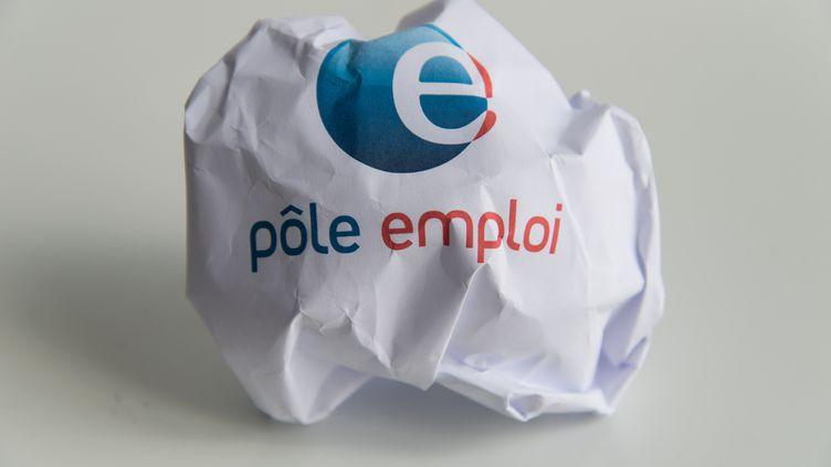 Le logo Pôle Emploi imprimé sur une feuille de papier, le 4 juillet 2019. (RICCARDO MILANI / HANS LUCAS)