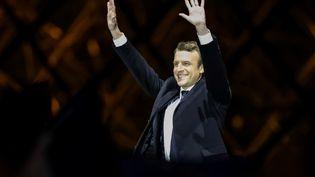 Emmanuel Macron au Louvre à Paris, le soir de sa victoire à l'élection présidentielle, le 7 mai 2017. (MICHAEL KAPPELER / DPA / AFP)