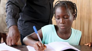 A partir de septembre 2017, quelques 216 écoles primaires réparties sur tout le Bénin dispenseront des cours d'anglais. (Photo AFP/Pascal Deloche)