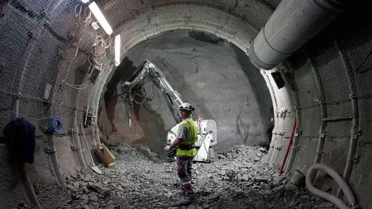 (Les travaux pour la construction de ce tunnel à 500 mètres de fond ont commencé il y a 15 ans © Reuters/Vincent Kessler)