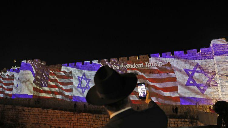 Les remparts de la Vieille Ville de Jérusalem, lundi 14 mai 2018. (AHMAD GHARABLI / AFP)