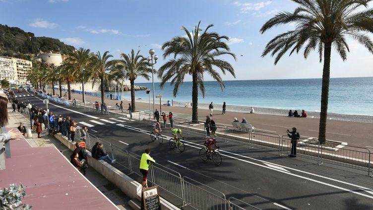 Cette année encore, la Promenade des Anglais ne verra pas défiler les coureurs du Paris-Nice (VALERY HACHE / AFP)
