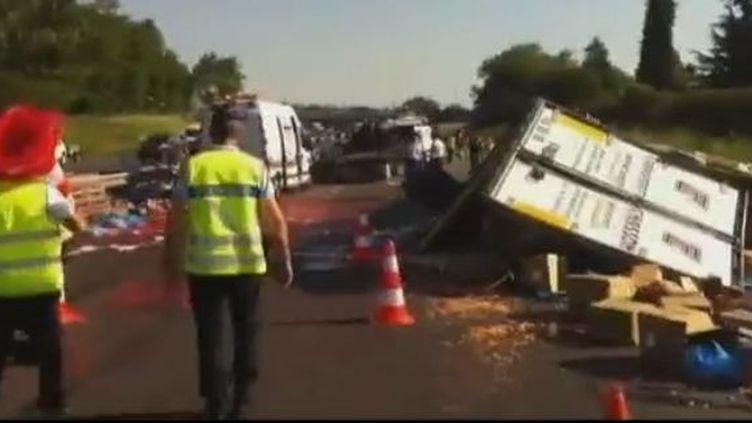 Quatre personnes sont mortes et deux enfants ont été gravement blessés, lundi 28 mai 2012, dans un accidentà Villamblain (Loiret). (CAPTURE D'ÉCRAN FRANCE 3)