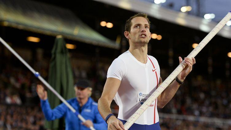 Renaud Lavillenie franchit 5,80 m pour sa rentrée (JONATHAN NACKSTRAND / AFP)