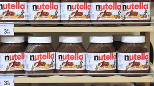 Des pots de Nutella dans un supermarché, en France. (PHILIPPE TURPIN / PHOTONONSTOP)