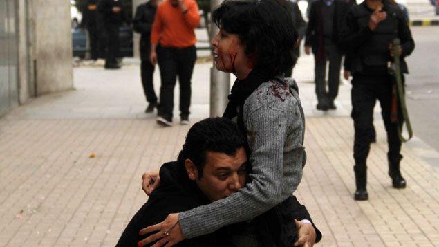 (L'image de la mort de Shaimaa el-Sabbagh a fait le tour du monde © REUTERS | Al Youm Al Saabi)