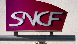La SNCF est endettée à hauteur de 50 milliards d'euros. (ERIC CABANIS / AFP)