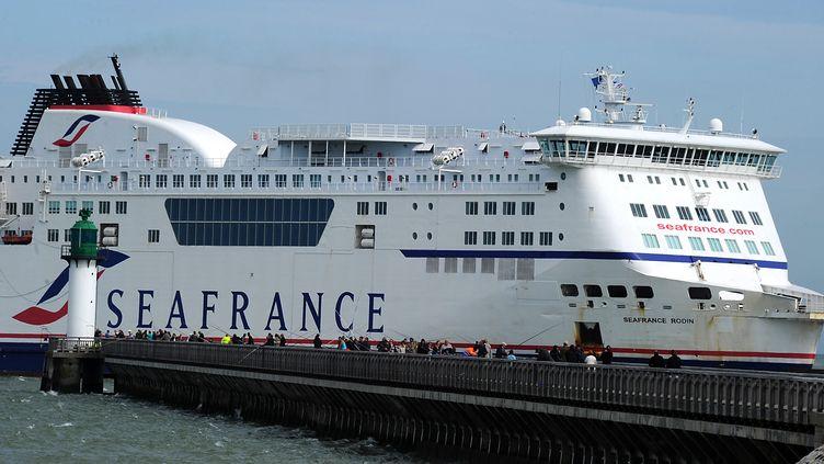 Un ferry de la compagnie SeaFrance, à Calais (Pas-de-Calais), en août 2011. (PHILIPPE HUGUEN / AFP)