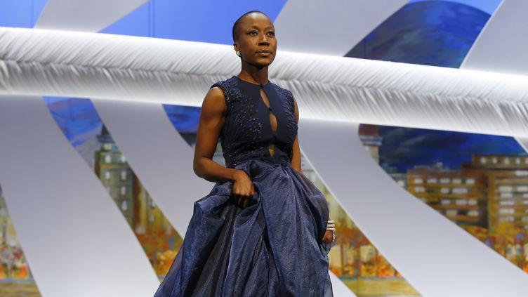 La chanteuse malienne Rokia Traoré, le 24 mai 2015, lors de la clôture du Festival de Cannes. (VALERY HACHE / AFP)