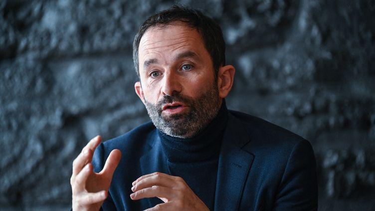 L'ancien candidat à la présidentielle Benoît Hamon lors des élections régionales, le 16 mars 2021, à Lyon. (PHILIPPE DESMAZES / AFP)