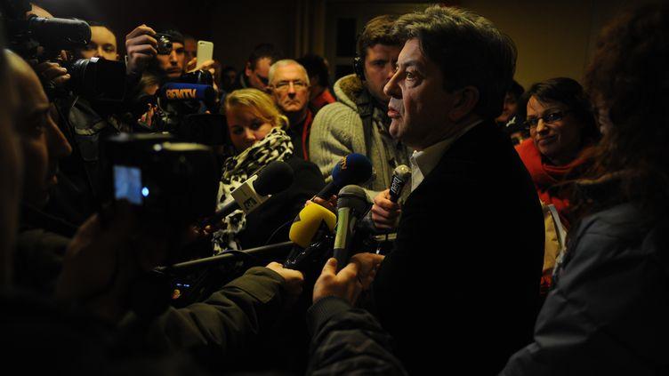 Jean-Luc Mélenchon à la maison des syndicats de Florange. (HERVE POZZO / FRANCETV INFO)