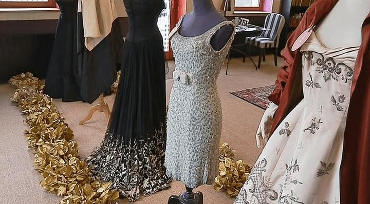 """Au milieu la robe de Claude Gensac dans """"Le gendarme de Saint-Tropez""""  (France 3 / Culturebox )"""
