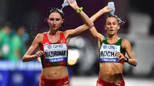Des athlètes participent au marathon des Mondiaux de Doha, le 28 septembre 2019. (DYLAN MARTINEZ / REUTERS)