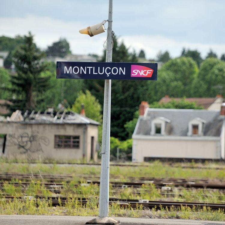 Arrêt SNCF en gare de Montluçon dans l'Allier, le 26 mai 2015. (SALESSE FLORIAN / MAXPPP)