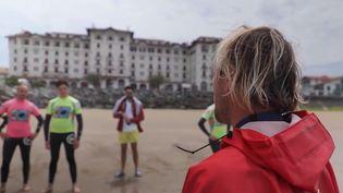 Le beau temps sera de retour durant le week-end du 29 au 30 mai. Les professionnels du surf préparent déjà la saison au Pays basque. (CAPTURE ECRAN FRANCE 3)