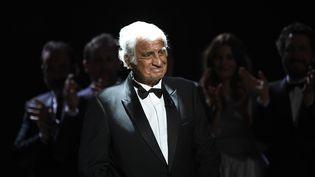 Jean-Paul Belmondo lors de la 42e cérémonie des César, le 24 février 2017 à Paris. (BERTRAND GUAY / AFP)