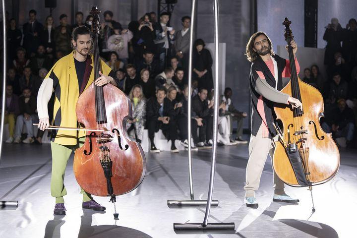 Défilé Homme Plissé Issey Miyake automne-hiver 2020-21 à la Paris Fashion Week, le 16 janvier 2020 (FRANCOIS DURAND / GETTY IMAGES EUROPE)
