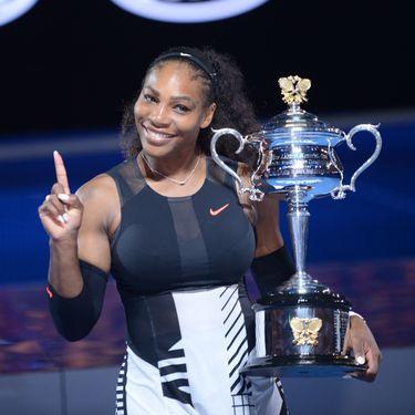 Serena Williams remporte le 23e titre de Grand Chelem de sa carrière à l'Open d'Australie, à Melbourne, le 28 janvier 2017. (RECEP SAKAR / ANADOLU AGENCY / AFP)