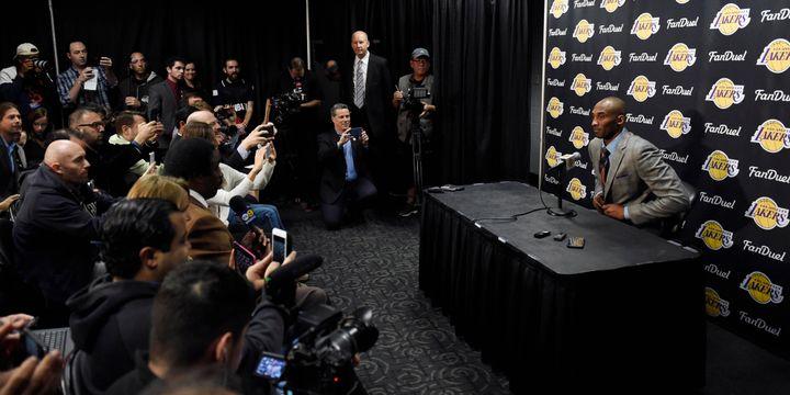 Kobe Bryant, en conférence de presse dans la nuit de dimanche à lundi