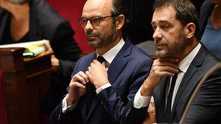 Edouard Philippe et Christophe Castaner (alors ministre délégué aux Relations avec le Parlement) à l'Assemblée nationale le 24 octobre 2017 (ERIC FEFERBERG / AFP)