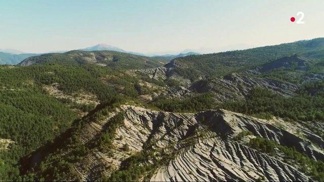 Haute-Provence : les lumineuses terres noires des Alpes du Sud