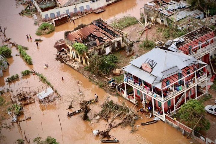 Les rues inondées de Buzi, une ville du centre du Mozambique, le 20mars dernier.  (Adrien Barbier/AFP)
