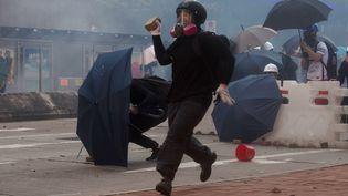 Un manifestant sur la placeWong Tai Sinpendant la grève générale du 5 août 2019. (ISAAC LAWRENCE / AFP)