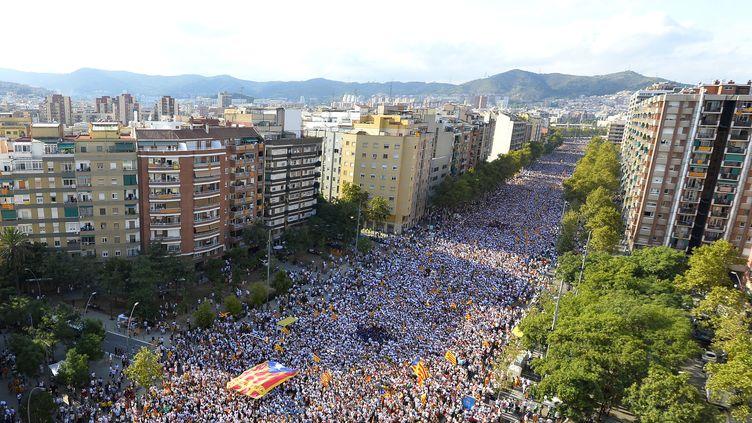 Dans les rues de Barcelone (Espagne), vendredi 11 septembre 2015, lors d'une manifestation pour réclamer l'indépendance de la Catalogne. (GERARD JULIEN / AFP)