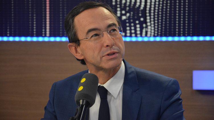 Bruno Retailleau, président du groupe Les Républicains au Sénat, invité de franceinfo le 28 novembre 2016. (JEAN-CHRISTOPHE BOURDILLAT / FRANCEINFO / RADIO FRANCE)