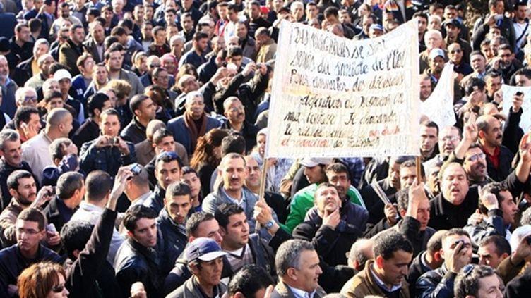 Manifestation anti-gouvernementale le 12 février 2011 à Alger (AFP/FAROUK BATICHE)