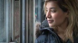 Farah Zenasni, 25 ans, vient de déménager à Fleury-les-Aubrais (Loiret), dans un T3 dont elle n'osait même pas rêver auparavant. (CAPTURE ECRAN FRANCE 2)