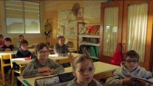 Covid-19 : fin du masque obligatoire pour les élèves en primaire dans 47 départements (FRANCE 2)