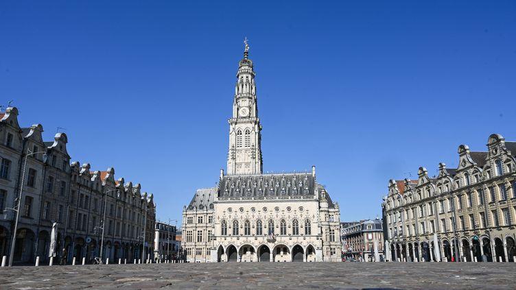 La place des Héros, à Arras (Pas-de-Calais), en mars 2020. (DENIS CHARLET / AFP)