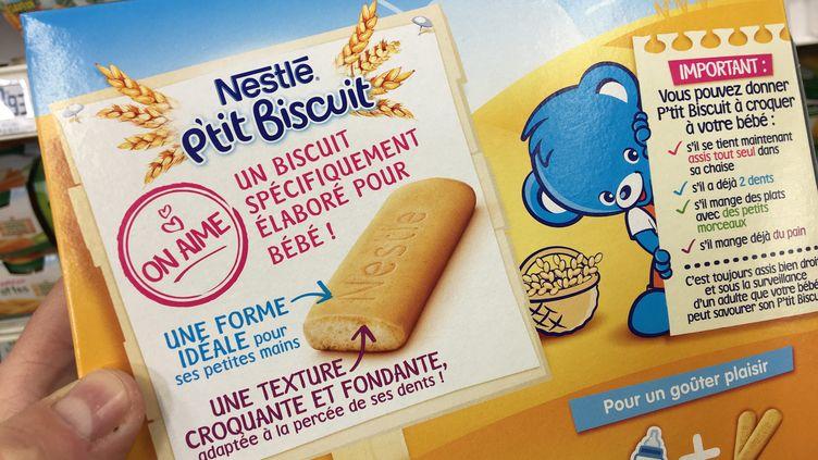 """Biscuits pour bébés """"P'tit biscuit"""" de Nestlé. (MAXPPP)"""