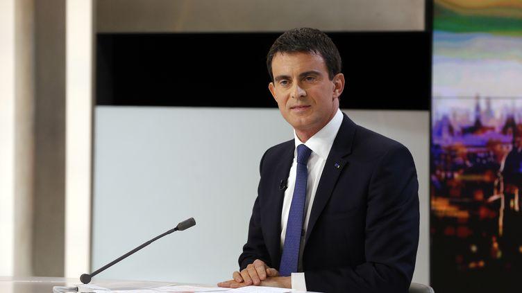 Le Premier ministre Manuel Valls sur le plateau du 20 heures de France 2, dimanche 7 décembre 2014. (FRANCOIS GUILLOT / AFP)