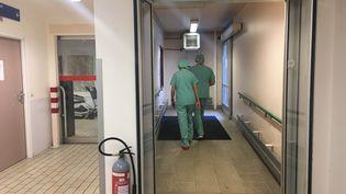 A l'hôpital Erasme de Bruxelles (Belgique), mardi 22 mars 2016. (FABIEN MAGNENOU / FRANCETV INFO)
