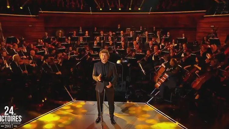 Jonas Kaufmann chante un air du Parrain de Nino Rota aux Victoires de la musique classique le 1er février.  (Capture d'écran Culturebox France 3)
