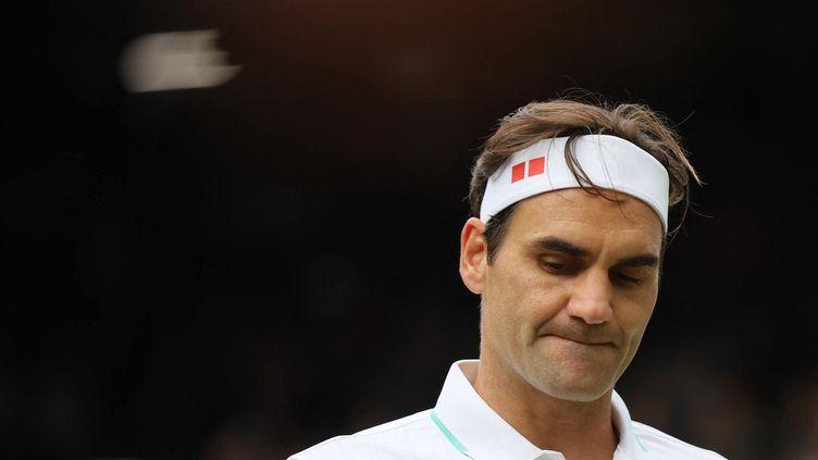 Roger Federer lors des quarts de finale messieurs à Wimbledon, le 7 juillet 2021. (SHUHEI YOKOYAMA / AFP)