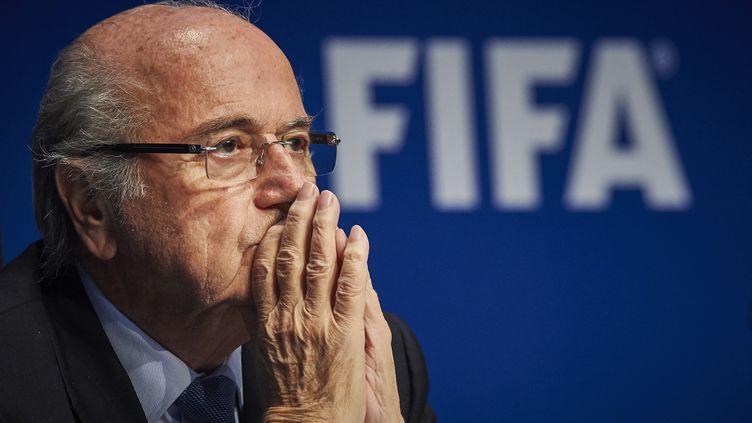 Le président Sepp Blatter donne une conférence de presse au siège de la FIFA le 20 mars à Zurich. (MICHAEL BUHOLZER / AFP)