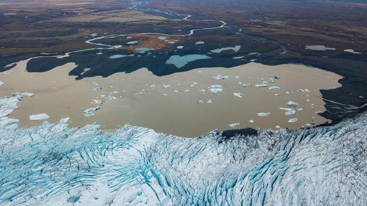 Vue aérienne du glacier Skaftafell, en Islande (illustration). (MICHAEL PORTILLO / ONLY WORLD)
