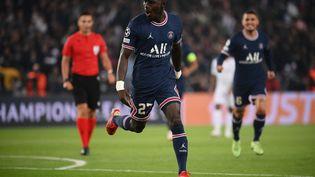 Idrissa Gueye a été l'homme fort du PSG face à Manchester City, le 28 septembre au Parc des Princes (FRANCK FIFE / AFP)
