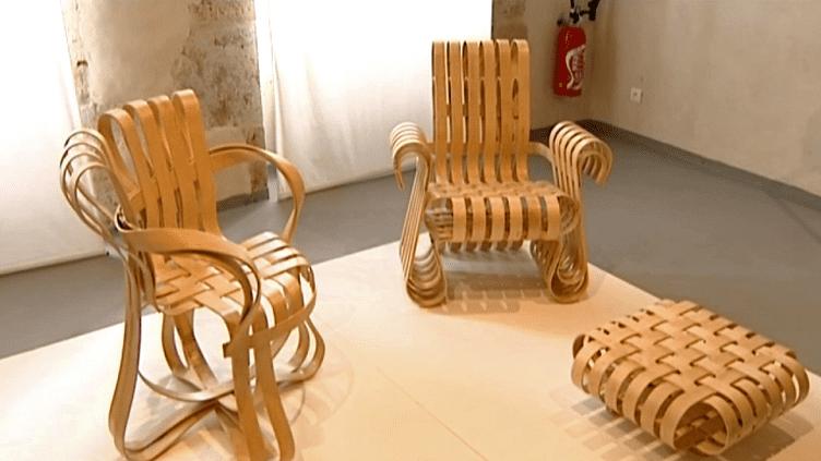 Les fauteuils de Frank Gehry sont à découvrir au centre culturel du château de Sainte-Colombe-en-Auxois  (France 3 / Culturebox)