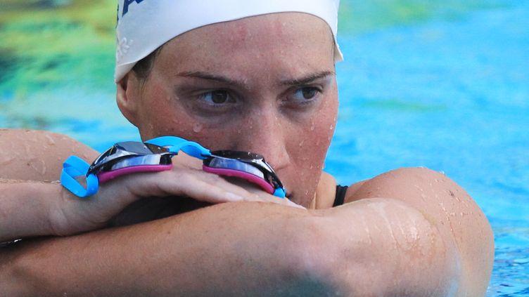 La nageuse française Camille Muffat, ici lors des mondiaux de natation à Canet-en-Roussillon, a annoncé prendre sa retraite, le 12 juillet 2014. (RAYMOND ROIG / AFP)