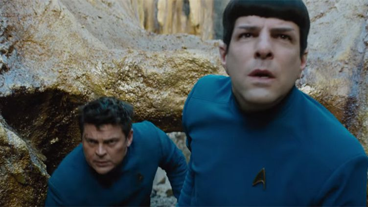 """Zachary Quinto (au premier plan) et Karl Urban dans """"Star Trek Sans Limites"""".  (Paramount Pictures)"""