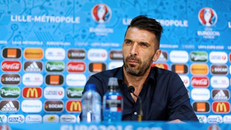 Le gardien de but et capitaine de l'Italie, Gianluigi Buffon, en conférence de presse. (HANDOUT / UEFA)