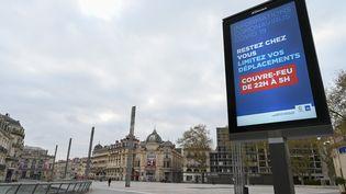 La place de la Comédie à Montpellier (Hérault) le 23 mars 2020. (PASCAL GUYOT / AFP)