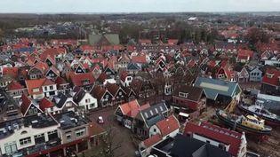 Pays-Bas : Urk, la ville qui refuse le vaccin contre le Covid-19 (FRANCE 3)