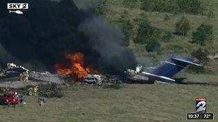 Capture d'écran du crash d'un avion près de Houston (Texas), le 19 octobre 2021. (KPRC-TV)