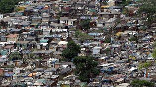 Bidonville à Durban ( Afrique du Sud) 21 décembre 2005 (GIANLUIGI GUERCIA / AFP)